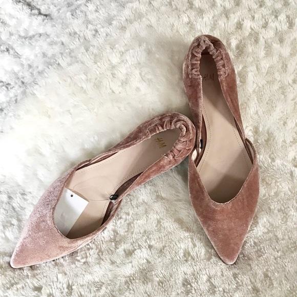 29879b9e469a7 NWT H&M Velvet Blush Pink Nude Pointy Flats 8.5 NWT